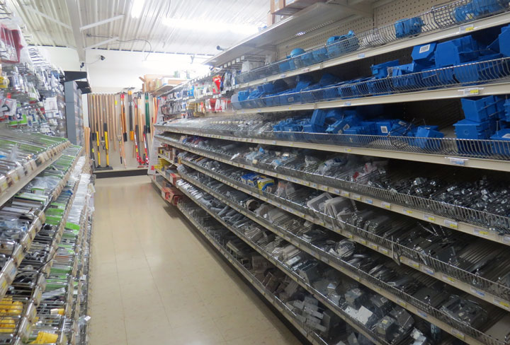 hyytinen-hardware-departments-hank-aitikin-mn-stores-electrical-720x488
